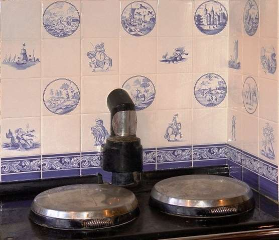 Delft tiles over an Aga